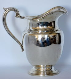 Vintage sterling silver water jug ( 4 1/2 pints ), USA ca.1970