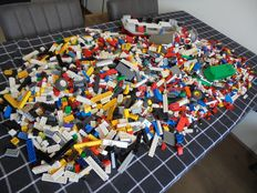 Assorted - 9.5 kg Lego