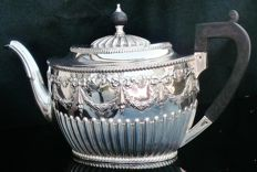 Silver Teapot, Sheffield 1883, Harrison Brothers & Howson (Henry Harrison)