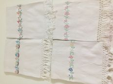4 embroidered towels in cross stitch plus 8 embroidered handkerchiefs in cotton as gift
