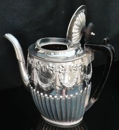 Silver Coffee Pot, Sheffield 1883, Harrison Brothers & Howson (Henry Harrison)
