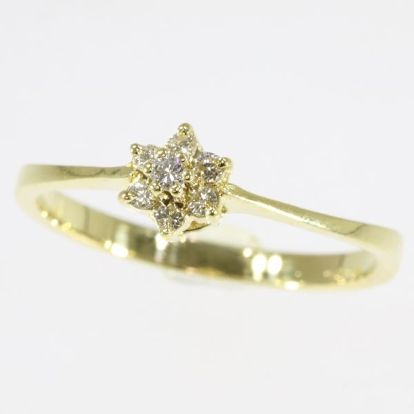 Vintage gold ring with 7 brilliant cut diamonds anno 1980 - size 53