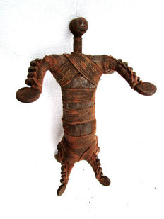 Talisman protection against arachnids, Doll - FALI - Cameroon