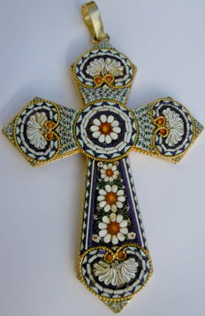 Italy, large-sized micro-mosaic pendant cross, first half of the 20th century, 9.5 x 15 cm