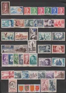 France 1955-1960 – Selection of 6 complete years – Yvert No. 1008/1280.