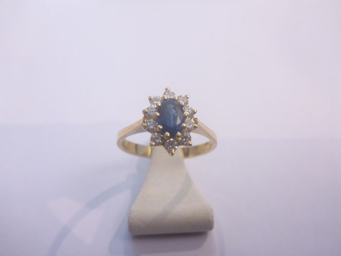 18 kt gold ring with approx. 0.30 ct diamond and approx. 0.50 ct natural sapphire - size: 17 - 2.9 grams