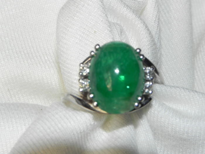 Ring - Gold - 5 ct - Emerald and Diamond