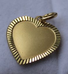 14 kt gold pendant in the shape of a heart, 15 x 18 mm