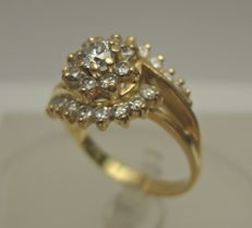 14 kt Gold ring with diamonds – ring size 18 mm