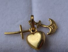 14 kt gold pendant with cross, heart and anchor, 8 x 10 mm