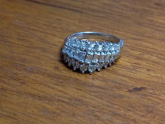 White gold ring with diamonds, 1.38 ct –Finger size 14.