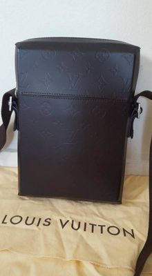 Louis Vuitton - Bobby Glace leather Messenger Bag