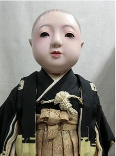 Large Ichimatsu Ningyo doll, signed and stamped (approx. 42 cm) – Japan – early 20th century.