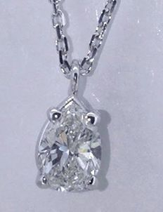 White gold necklace in 14 kt with pear-shaped cut diamond of 0.50 ct, with IGI certificate