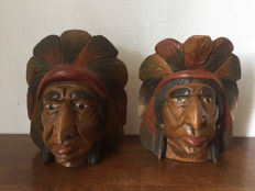 2 Nice wooden Native American Heads - early 20th century - United States