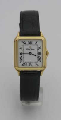 Wyler Vetta, women's 18 kt gold quartz wristwatch, new with box and warranty. Never worn, item is from a shop.