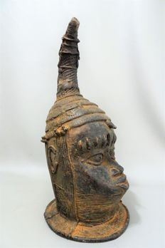 Large and heavy bronze African OBA King's head - BENIN - Nigeria, Benin City area