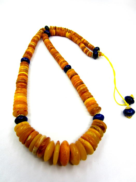 Natural Amber necklace with lapis lazuli beads, antique colour, 43.5 gr weight