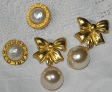 Vintage Karl Lagerfeld (Creative Director at the fashion house Chanel) 2 pairs of clip-on earrings, large & round, gold metal, pearl