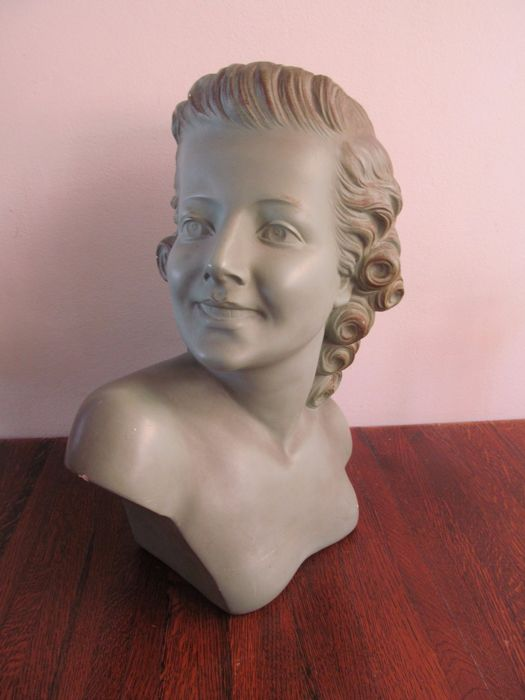 Aranova - Large Art Deco bust of a young woman - Shop window, bust - France, mid 20th century