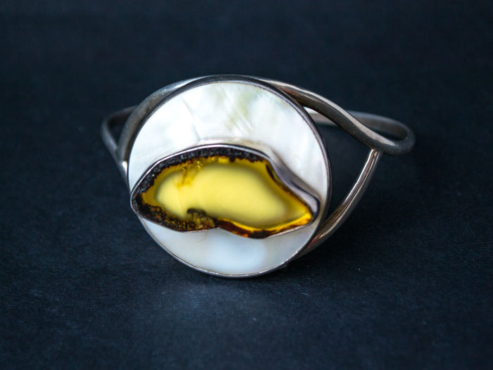Bracelet, amber with pearl in a silver frame - 925 Akoya parel, Amber, Zilver - Armband
