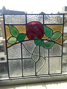 """Beautiful old large hand-painted stained glass sun catcher """"Rose"""" - England, ca. 1920s"""