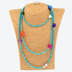 18kt/750 yellow gold – Long necklace with turquoises and multi gemstones – Length: 144 cm.