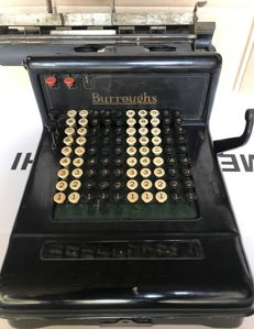 Antique calculator Burroughs Adding Machine Class 3 - Burroughs Adding Machine Co. Detroit Michigan - ca.1911
