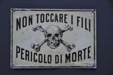 Metal sign - skull - ca. 1910
