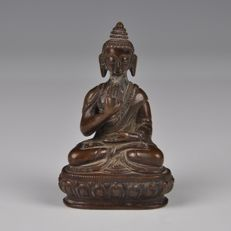Buddha statue made of bronze - China/Tibet - 19th century