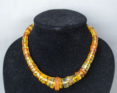Art Deco, Baltic amber necklace, in lemon, honey color, 38 gram