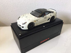 MR Models - Scale 1/18 - Ferrari 599XX #2 - White / Black