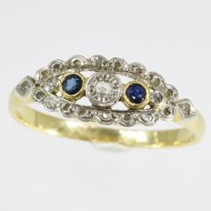 Belle Epoque engagement ring with diamonds and natural sapphires - anno 1910