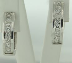 18 kt white gold creole earrings set with 18 brilliant cut diamonds, approx. 0.72 ct in total, diameter 1.9 cm, width 5.0 mm