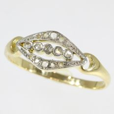 Belle Epoque diamond gold engagement ring - anno 1910