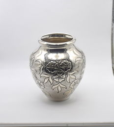 Designer  sterling silver vase   International hallmarked 900