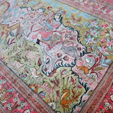 Excellent silk Persian Ghom rug, hunting scene, 1,000,000 knots per m², very good condition