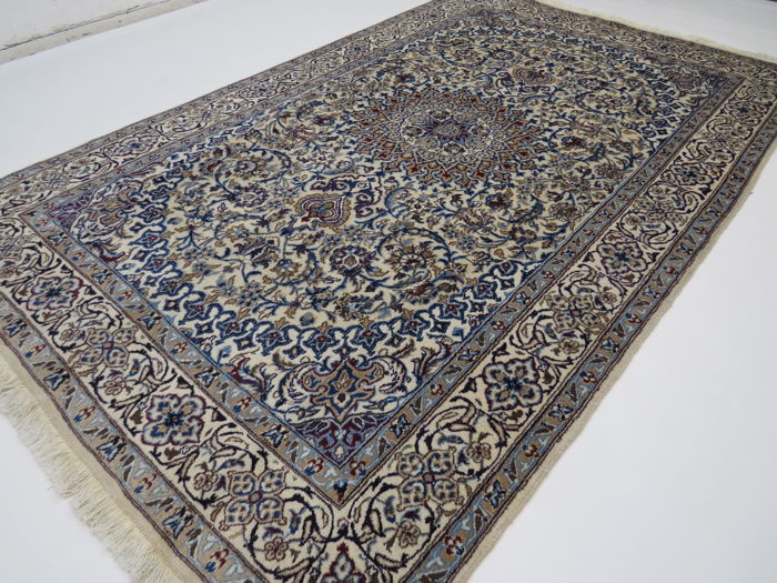 Wonderful beautiful Persian carpet, Nain, Iran, 300 x 200 cm, end of the 20th century TOP CONDITION - with silk