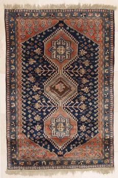 Yalameh, hand-knotted, Iran, 110 x 165 cm, approx. 1980.