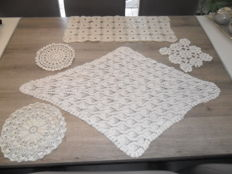Lot of 5 beautiful handmade Vintage table doilies - Italy - 1930