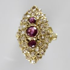 18 kt marquise ring with rose diamonds, 1.30 ct in total, and rubies, 0.60 ct - 7.6 grams - ring size 17.75 (56)