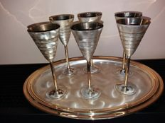 6 gold-plated fluted cups for champagne or other beverages, with tray
