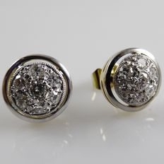 18 kt Gold stud earrings with 0.58 ct diamonds in white gold, diameter: 9.4 mm.
