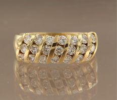 18 kt yellow gold ring set with 21 brilliant cut diamonds, approx. 0.80 ct in total, ring size 17 (53)