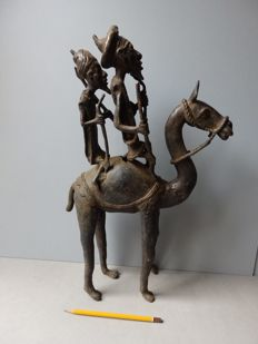 Large statue of Camel riders in bronze - DOGON - Mali