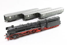 Märklin H0 – From set 29094 - Steam locomotive with oil tender BR 01.10 with 3 carriages of the DB