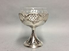 Glass cream puff bowl in silver plated mounting with open work base and rim, England, ca 1915