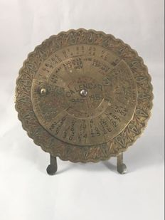 Antique perpetual calendar for 40 years ,for year  1945-1985 brass desktop