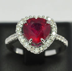 Ring in gold with ruby and diamonds  0,40 ct. - Size: 15 Italian / 16,91 mm internally