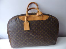 Louis Vuitton – Alize24 Poches with double compartments + garment bag